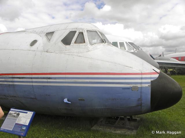 Vickers Viscount 804 - G-CSZB cockpit at Donington AeroPark