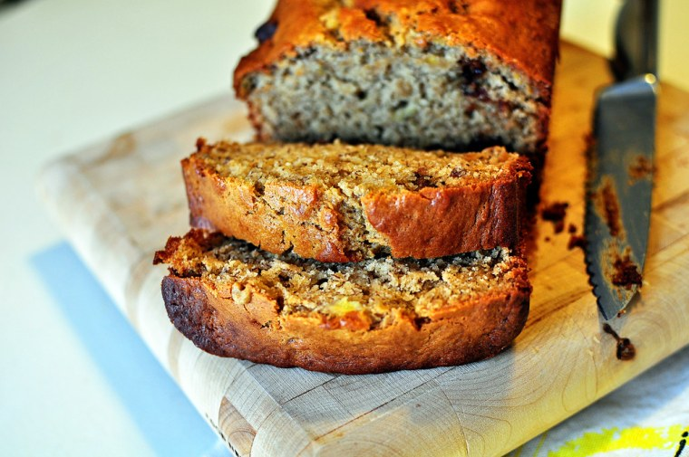 Peanut Butter Cup Banana Bread 4