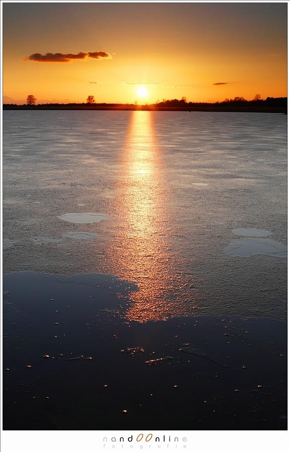 reflecties van de ondergaande zon