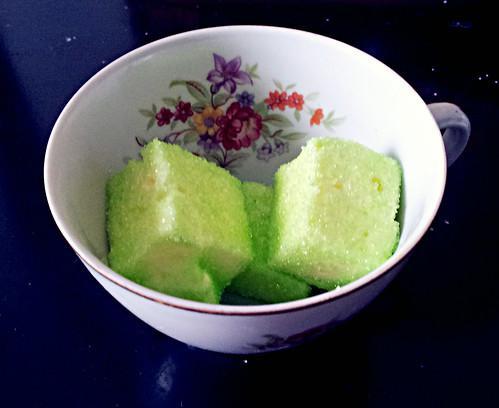 Pineapple-rosemary marshmallows