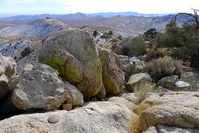 Marker at the top of Pinyon Peak