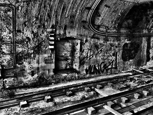 En Las Vias Del Metro_HDR.