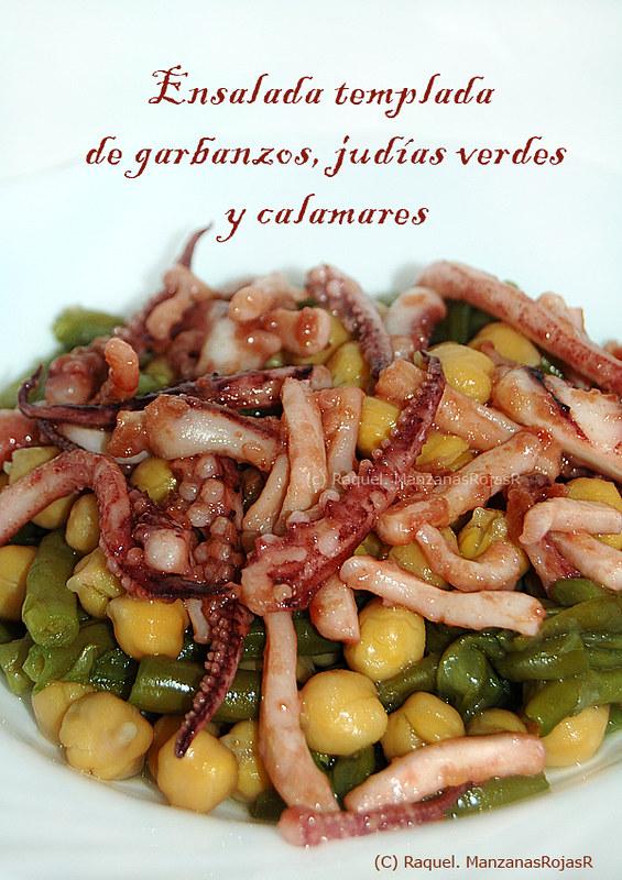 Ensalada templada de garbanzos, judías verdes y calamares