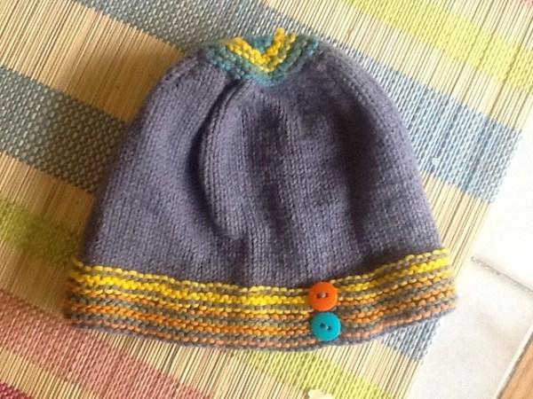 Playful stripes hat1b