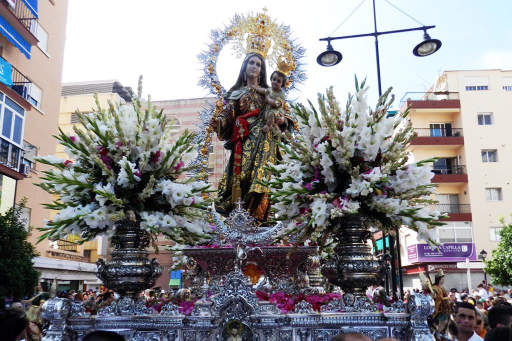 Procesión de la Virgen del Rosario 2012 en Fuengirola Málaga 03