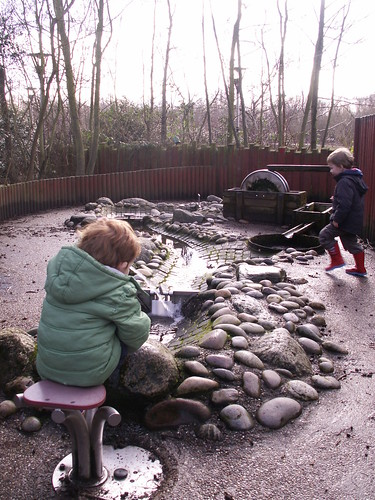 Conkers - Discovery water play