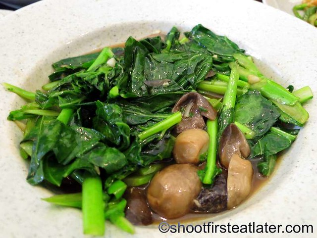 Phad Phak Ka-Na (stir fried kale) P320