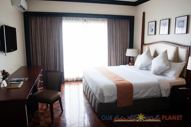 Taal Vista Hotel-130.jpg