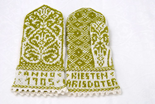 Kiesten Larisdoter Church Mittens