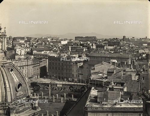 ROMA ARCHEOLOGIA & BENI ARCHITETTONICI: Veduta dall'alto di Foro Traiano, registrato da Palazzo Valentini, sede della Provincia di Roma (ca. 1924-26). by Martin G. Conde