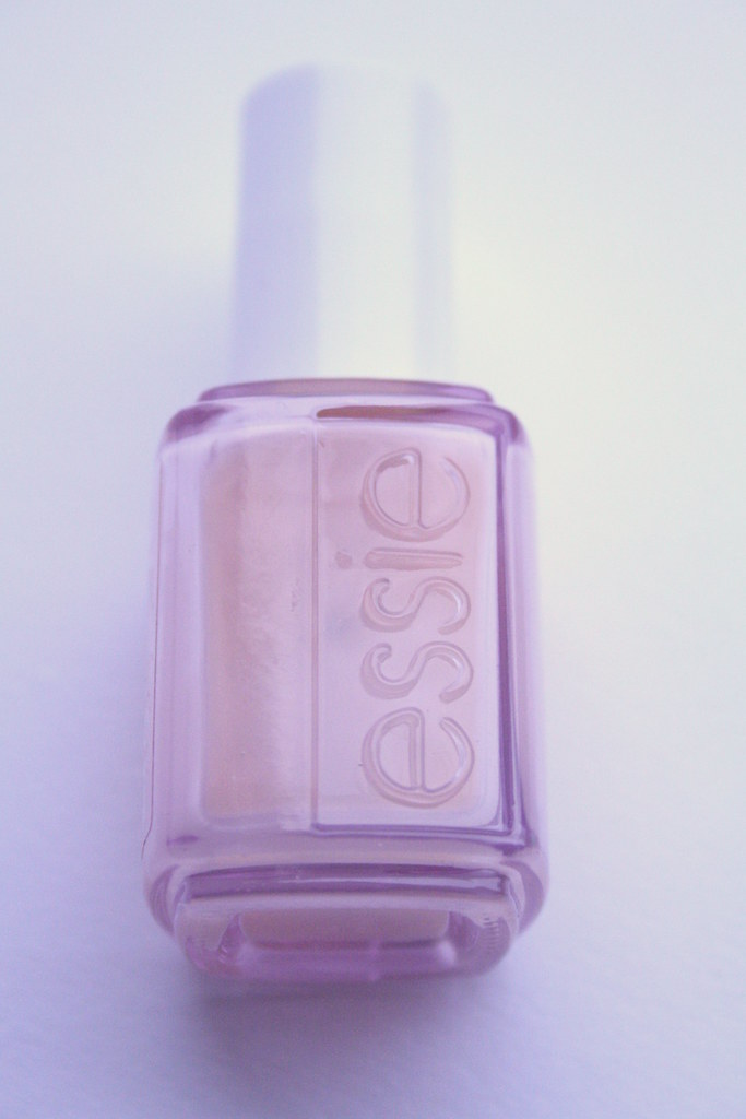 ESSIE - GROW STRONGER (FRONT)