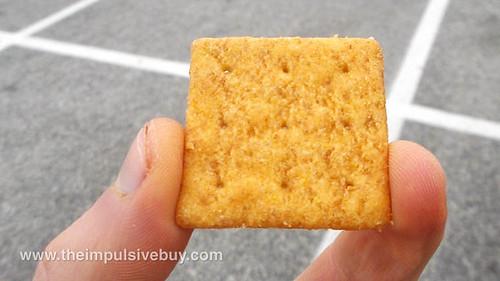 Nabisco Honey Mustard Wheat Thins Closeup 2