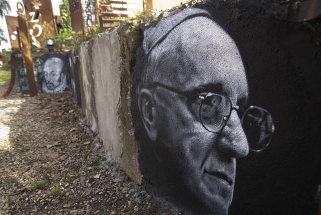 thierry Ehrmann le 112 ème est Jorge Mario Bergoglio (Pope Francis), painted portrait DDC_7831