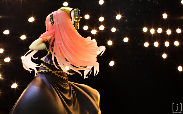 Megurine Luka: Tony Ver. - 3/4 Rear