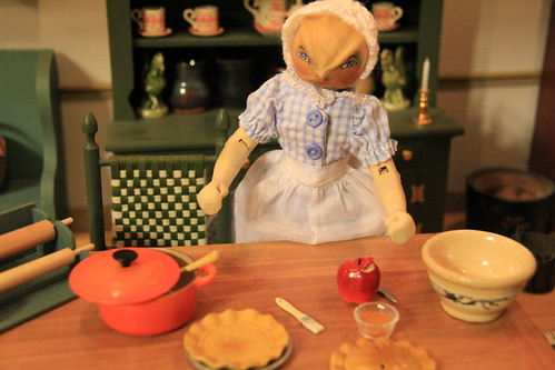 Miss Hickory makes apple pie