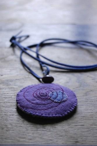 felt pendant necklace