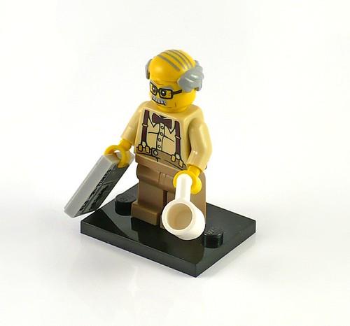 71001 LEGO Minifigures Series 10 08 Grandpa 01