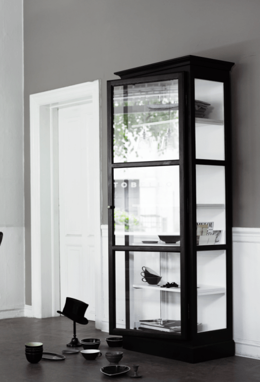 Glass Cabinets by Lindebjerg Design