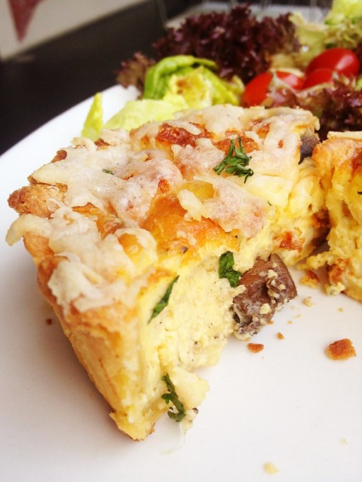 Three-cheese quiche (with mushroom!)