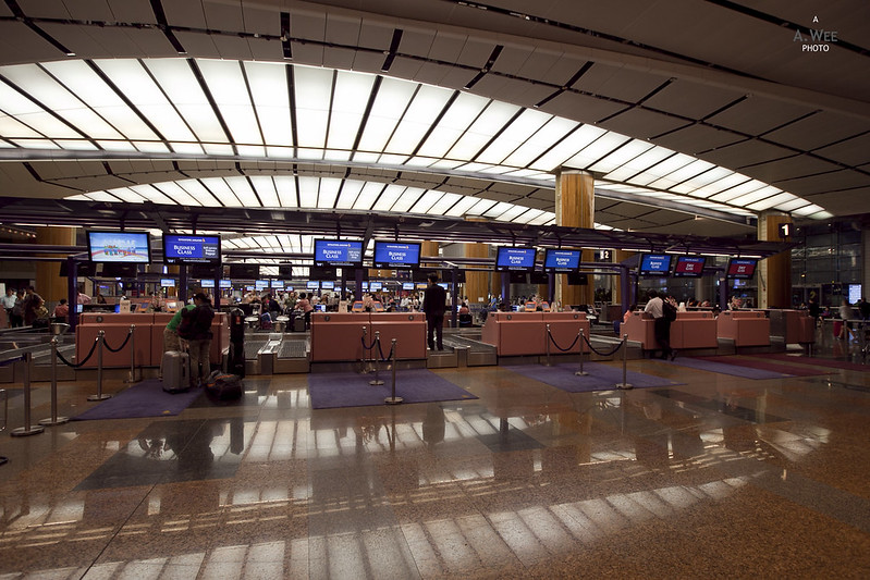 Singapore Airlines Check-in at Terminal 2