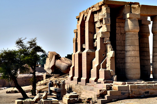 Entrance to Ramesseum by DEJP