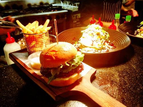 100% butterfield beef burger, swiss melt, aioli