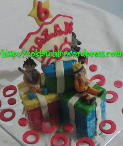 Miniature cake super hero