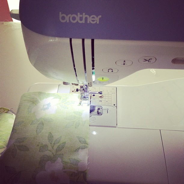 Stop the press... I'm actually sewing!!! First time this year ❤