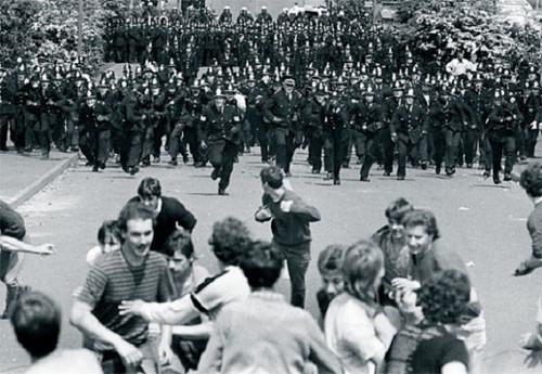 arresting police 4