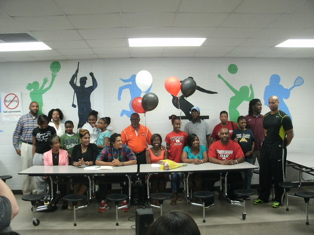 Barry Harris and Daijia Ervin sign National Letters of Intent