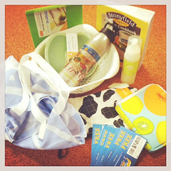 Win a Stonyfield Organic Kitchen Prize Pack. Just ONE of the fabulous prize sets in our #BrunchWeek 2013 giveaway.