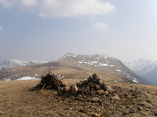 Starling Dodds twin cairns - Red Pike and High Stile ahead