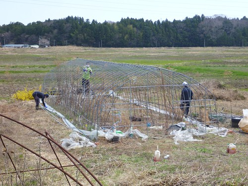 南相馬小高区で災害ボランティア(援人 2013年4月13日) Volunteer at Minamisoma, Fukushima. Affrected by the Tsunami of Japan Earthquake and Fukushima Daiichi nuclear plant accident.