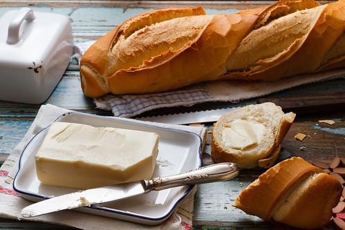 Pão com manteiga by Luiz L.