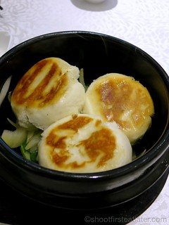 steamed barbecue pork buns with sauteed onions HK$28