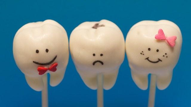 A Trio of Cake-Pop Teeth