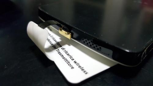 พอดีไซน์พอร์ต Micro USB แบบ LG (คือ ด้านยาวอยู่ด้านบน ส่วนด้านโค้งสั้นอยู่ด้านล่าง) เลยทำให้ไม่เหมาะกับการใช้งาน Wireless charging module นี้