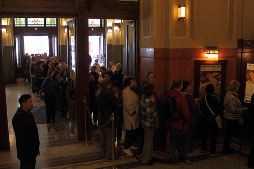 The line for the Lendl Mucha exhibition