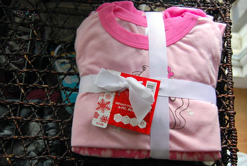 Pale pink 3 piece holiday sleep set size 4