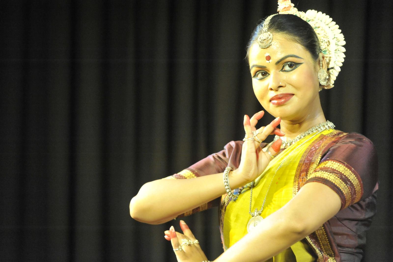 Hamsadhwani Pallavi by Sudha