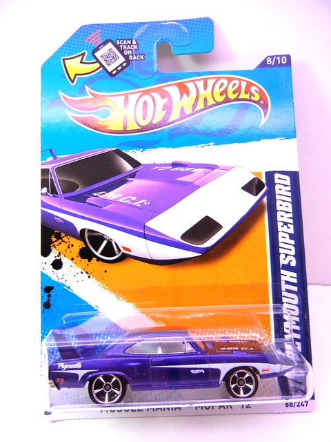 hot wheels '70 plymouth superbird (1)