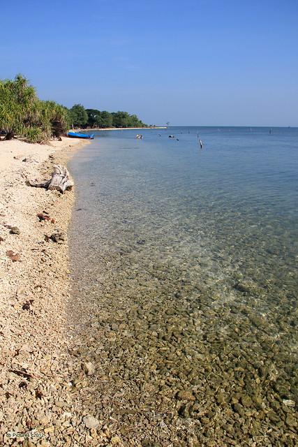 Bandengan Beach