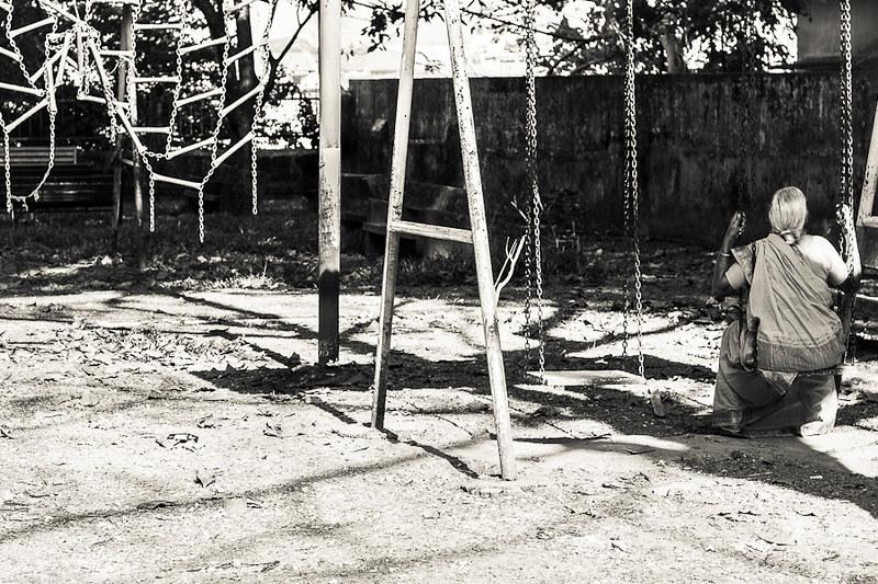 lonelyoldage-8137