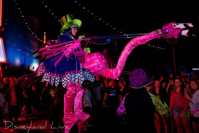 Flamingo - Mad T Party