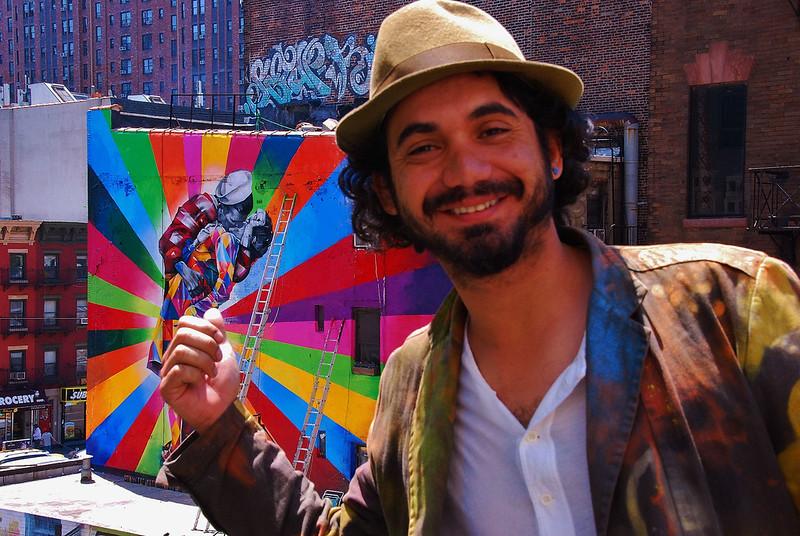 7380090076 9415437edf c Massive Mural by Kobra Recreates Iconic Times Square Kiss Photo