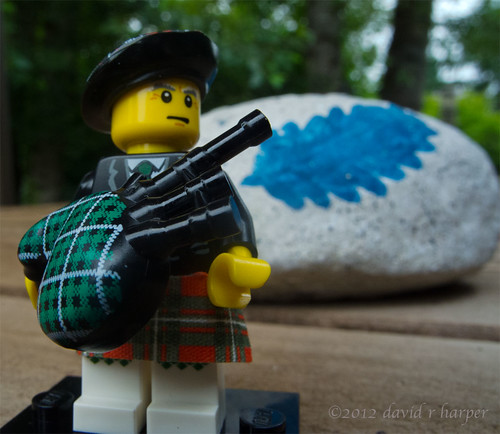07.22.20012 :: 366/204 ...::... Lego Love -- Bagpiper by Echo9er