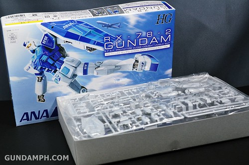 ANA RX-78-2 Gundam HG 144 G30th Limited Kit  OOTB Unboxing Review (10)