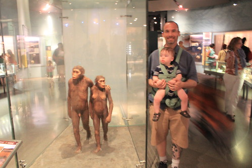New York - American Museum of Natural History - Australopithecus, Ryan and Sagan (Blurry)