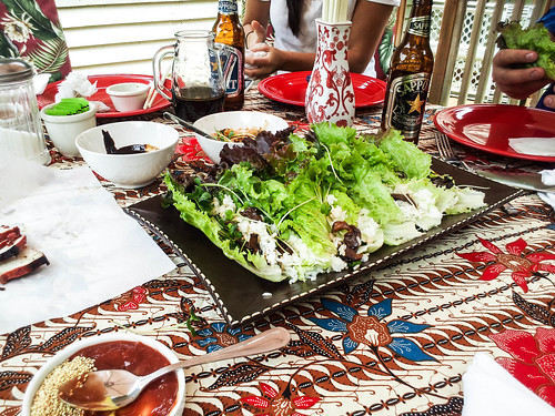 lettuce wraps with rice and oyster mushrooms