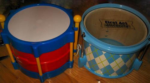 20120505 - yardsale booty - 4 - toy drum & psuedo drum - IMG_4142